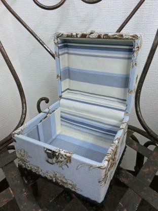 小箱 ブルー