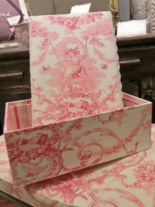 インテリアボックス 小 ピンク